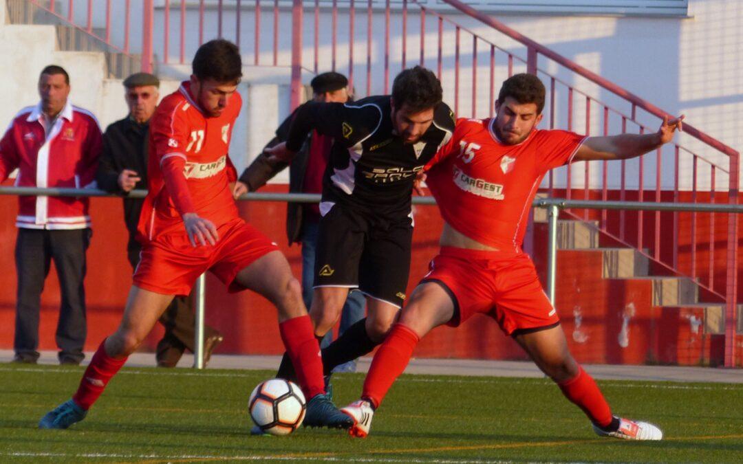 El Atlético Marbella da la cara pero pierde ante el Casabermeja (2-0)