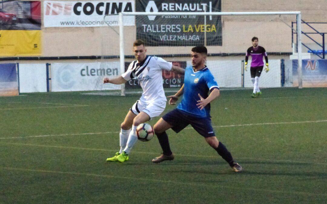 El Atlético Marbella no mereció la derrota ante el C.D.Barrio (1-0)