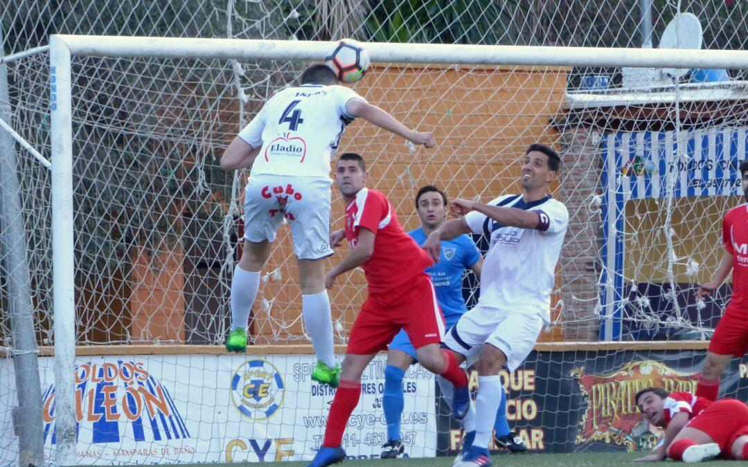 El Atlético Marbella complica su permanencia con la derrota ante el C.D.Ronda (1-2)