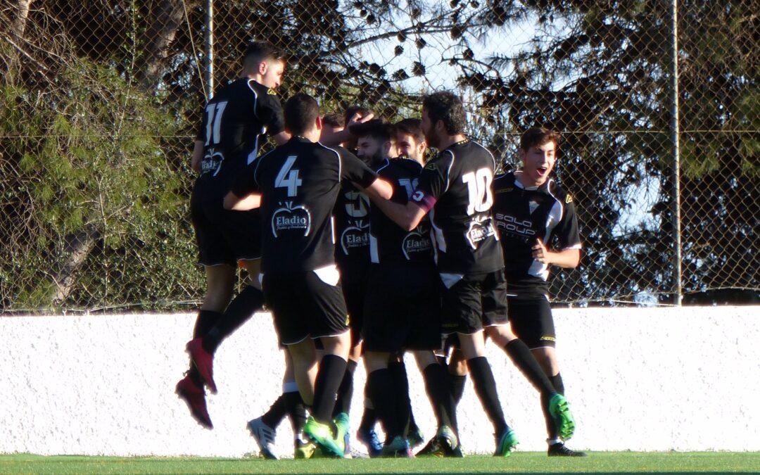 El Atlético Marbella vence al C.D.Mijas y sigue soñando con la salvación (0-2)